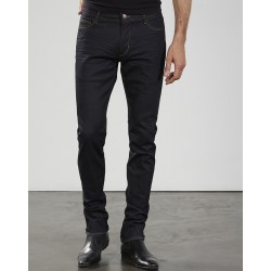 Belike-INDUSTRIE-HOMME-VETEMENTS-JEANS-IZAC